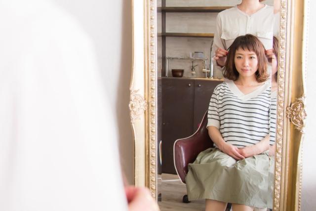 髪の量が多い人が美容院で減らそうとするとヘアスタイルは失敗する!?